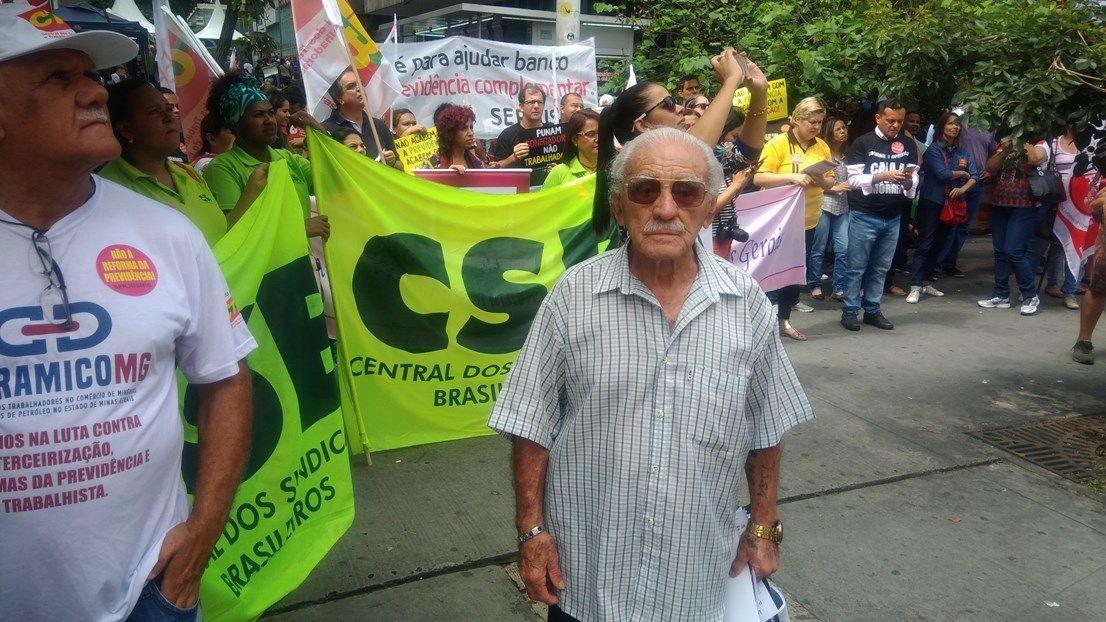 Sr. Geraldo, diretor da FAP/MG, aos 92 anos de idade, firma na luta!
