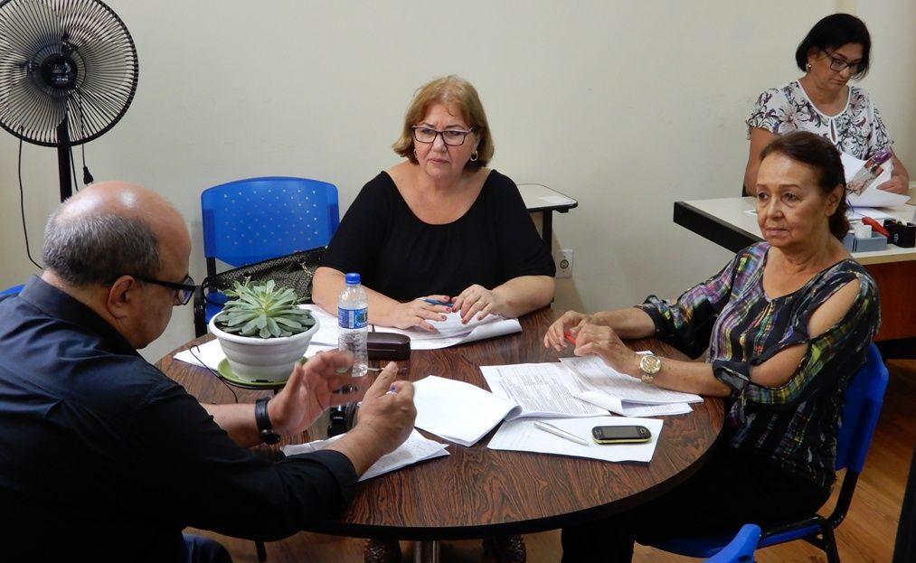 Aldenora Barbabela e Flordeliz_falam sobre os aposentados em telefonia