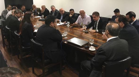 Primeira reunião da Cobap e Centrais com Govern Bozo