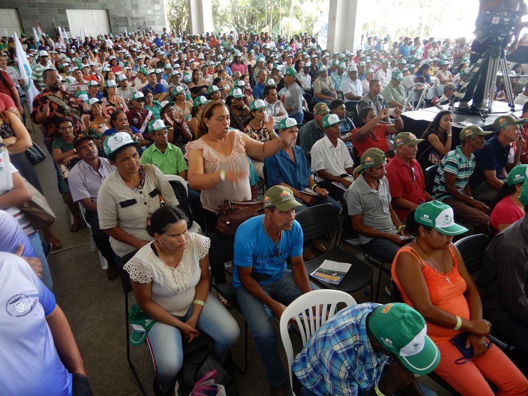 Multidão não coube no plenário da Assembleia Legislativa