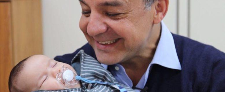 Sérgio Cabral conhece o neto na 7ª Vara Federal Criminal