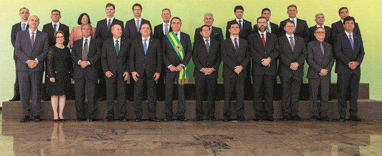 35% aprovam governo Bolsonaro, e 27% reprovam, diz pesquisa Ibope