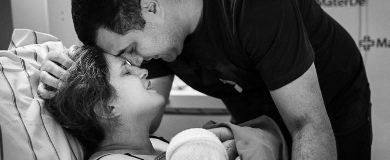 Mãe mantém gestação de gêmeos mesmo após morte de um deles; 'atendimento humanizado', disse