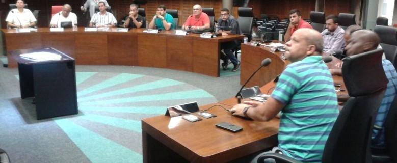 Projeto que regulamenta uso do transporte escolar no município é aprovado na Câmara