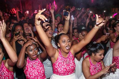 Organização do baile 'Fadas Madrinhas' faz balanço de evento solidário dedicado a debutantes em Búzios