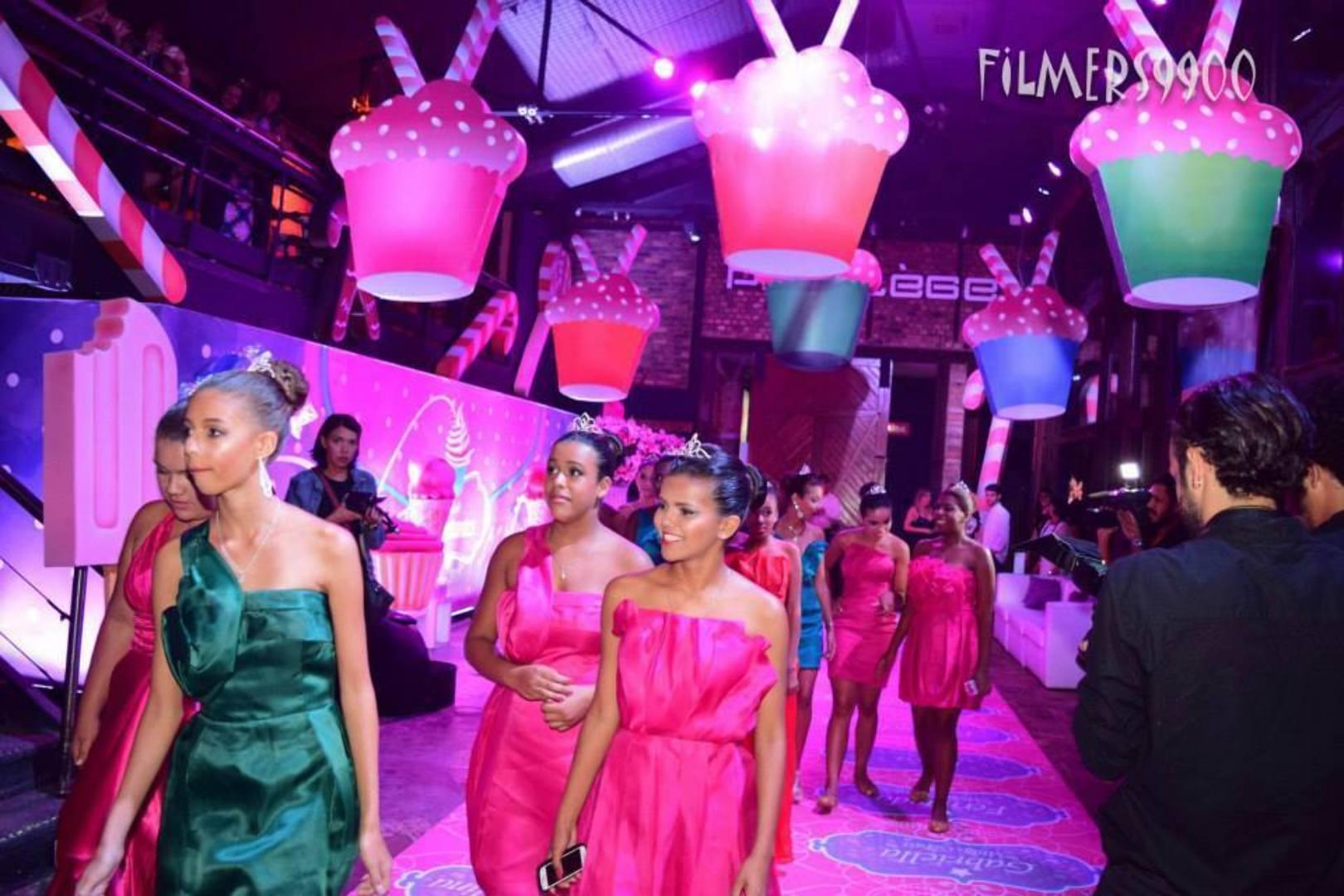Cinderelas de escolas públicas ganham festa luxuosa em Búzios
