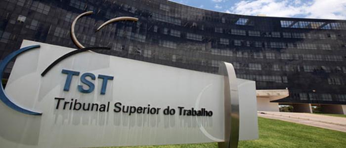 TST assina documento contra a reforma trabalhista