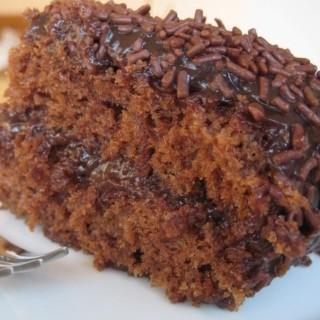 bolo-de-chocolate-recheado-2-.jpg