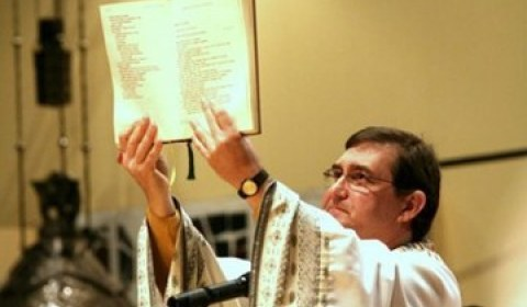 Bispo de SP propõe 'levante popular pacífico' contra a reforma da Previdência