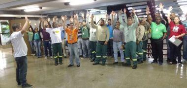 Indignados, trabalhadores garantem assembleias participativas