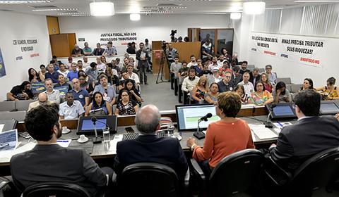 Privatização não resolve: só o crescimento tira Minas do abismo