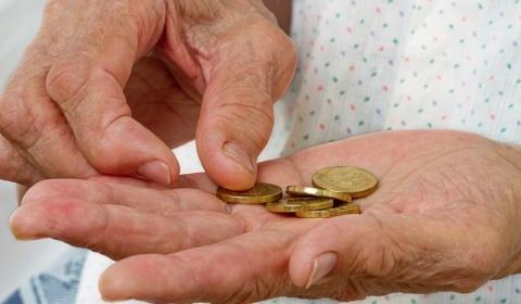 Reajuste da aposentadoria não cobre despesas básicas dos beneficiários