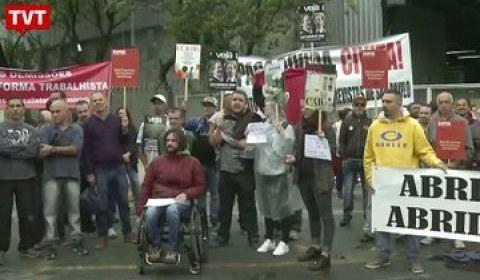 Em protesto, demitidos da Abril entregam carta com reivindicações aos proprietários