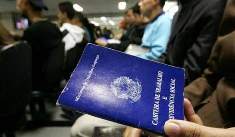 Falta trabalho para 27,6 milhões de brasileiros e desalento bate recorde