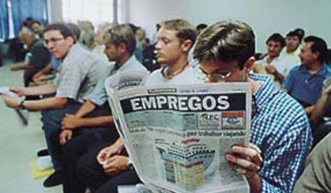 Mais de 3 milhões de brasileiros estão desempregados há dois anos, revela Ipea