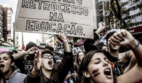 Temer recua da reforma do Ensino Médio