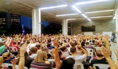 Professores da rede particular em Minas vencem queda de braços e põem fim à greve