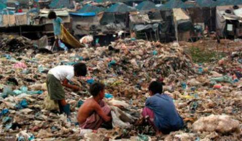 Em um ano, número de pobres no Brasil sobe para 54,8 milhões
