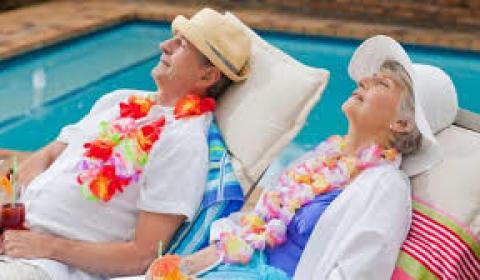 Governo italiano reduz a idade minima para aposentaria