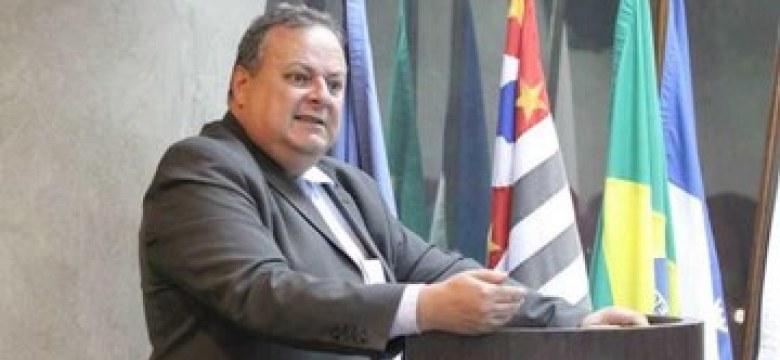 Enfraquecimento dos sindicatos retrai negociação coletiva, afirma juiz