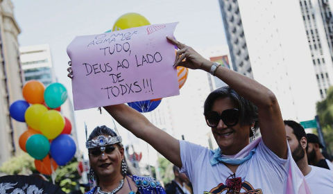 Entre celebração e protesto, Parada LGBTI de São Paulo reforça tom político