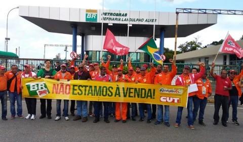 Como os brasileiros pagarão a conta das privatizações na Petrobras e Caixa