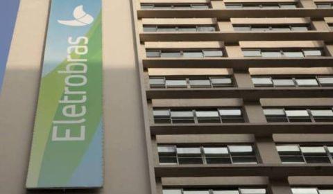 Estratégia para privatizar: Eletrobras pagou quase R$ 2 milhões para denegrir a empresa