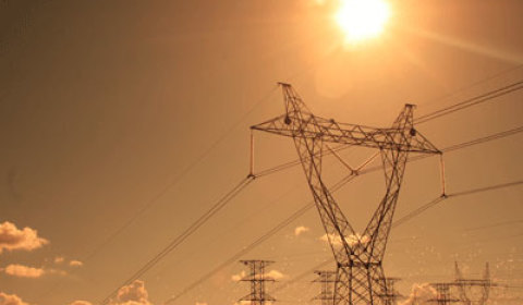 TRT suspende leilão da Amazonas Energia