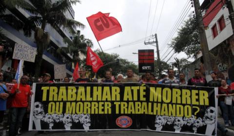 Primeiro mês da 'reforma' trabalhista: país perde empregos formais