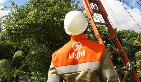 Processo de venda de parte da Cemig na Light avança