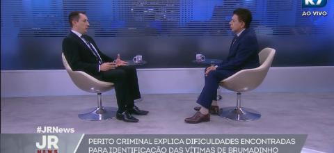 Jornal da Record News, apresentado por Heródoto Barbeiro