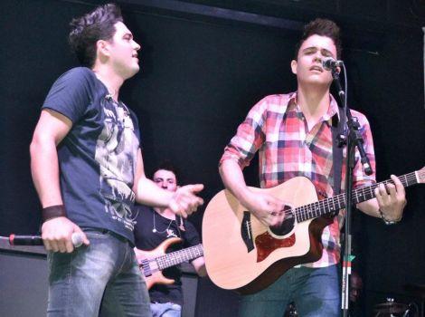 Vitor & Guilherme - Caribbean