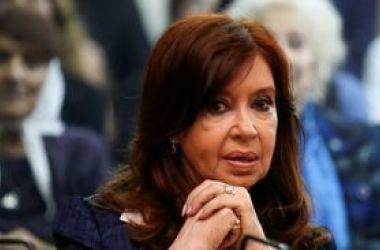 Cristina Kirchner falta ao terceiro dia do julgamento por corrupção