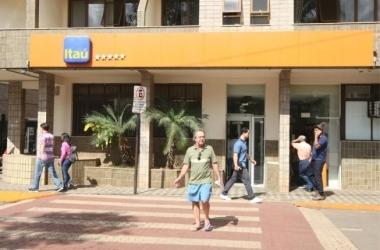 Agências bancárias chegaram a ficar fechadas por três dias na semana passada / Lucas Prates/Hoje em Dia