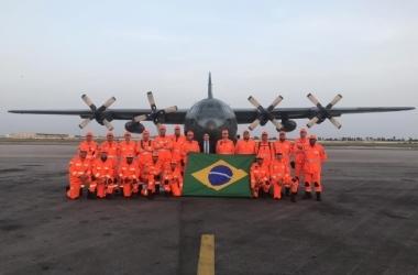 Bombeiros pousaram, na tarde deste sábado (30), na Costa do Marfim / Corpo de Bombeiros/Divulgação