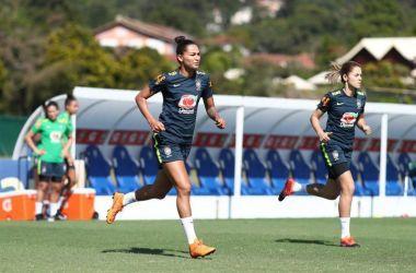 No treino de domingo (2), Fabiana relatou ao departamento médico dor na região posterior da coxa direita - Lucas Figueiredo - CBF