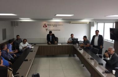 A reunião que aconteceu na sede da FMF contou com representantes dos dois times, da Federação e da Polícia Militar Foto: Fernando Martins y Miguel/O Tempo