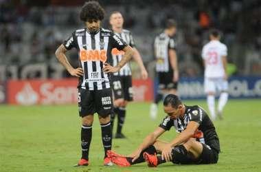 Atlético perdeu para o Nacional e está eliminado (Foto: Alexandre Guzanshe/EM/D.A Press)
