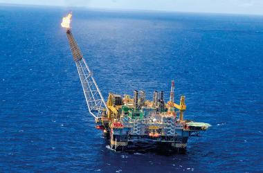 Frente parlamentar contra a redistribuição dos royalties do petróleo nasce forte