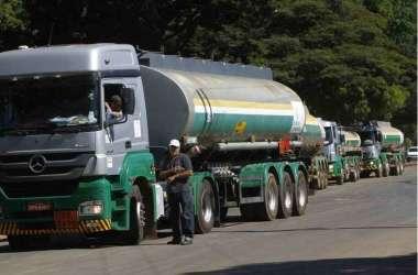 Caminhoneiros seguem com preço do diesel sem aumento, mas ordem de Bolsonaro não foi unânime nem entre os integrantes da categoria(foto: Ana Rayssa/Esp. CB/D.A Press - 26/5/18)
