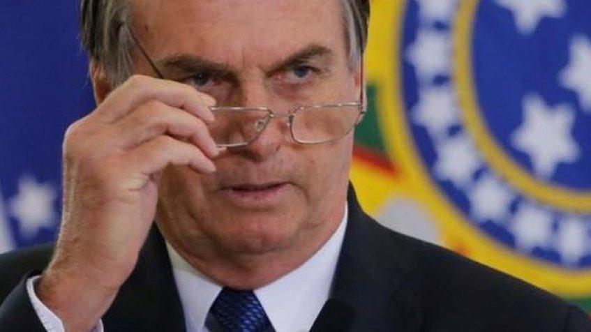 Bolsonaro recua sobre post da renúncia ou golpe: 'eu só passei'