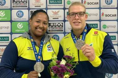 Beatriz Souza e Rafael Buzacarini conseguiram as medalhas (Foto: Reprodução/Twitter CBJ @noticiascbj)