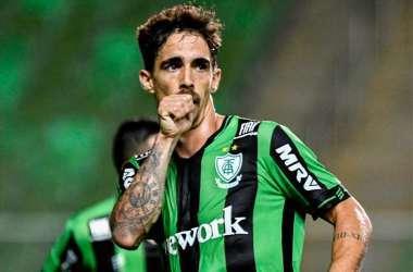 Neto Berola marcou três gols pelo América no Estadual (Foto: Mourão Panda/América)