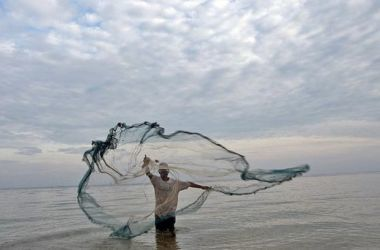 A pesca fantasma ocorre quando equipamentos dos pescadores fica perdido no mar - ONU/Martine Perret/Direitos reservados
