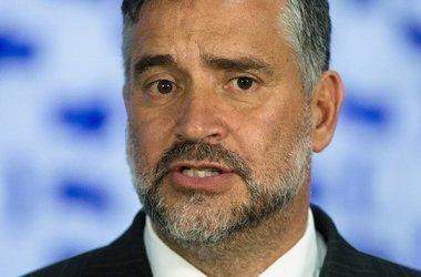 Pimenta: os Bolsonaros são bandidos e devem ser execrados da política