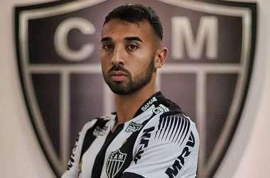 Ramón Martínez assinou contrato com o Atlético nesta quinta-feira (Foto: Pedro Souza/Atlético)