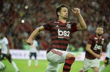Rodrigo Caio comemora o gol da classificação rubro-negra no Maracanã lotado (Foto: Alexandre Vidal/Flamengo)