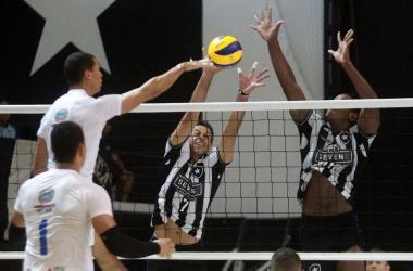 Lavras sentiu falta de dois desfalques em jogo decisivo Foto: Vitor Silva - Botafogo - Divulgação