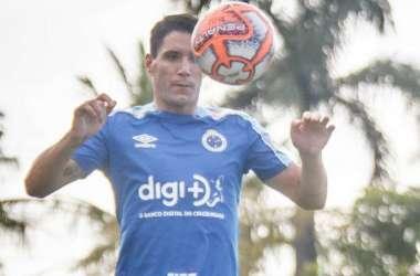 Thiago Neves voltou a treinar e vai ser opção em pouco tempo (Foto: Vinnicius Silva/Cruzeiro )