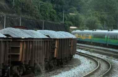 Desde quinta-feira, o trem de passageiros entre Belo Horizonte e Vitória já não passa pelo local(foto: Ramon Lisboa/EM/D.A Press. )